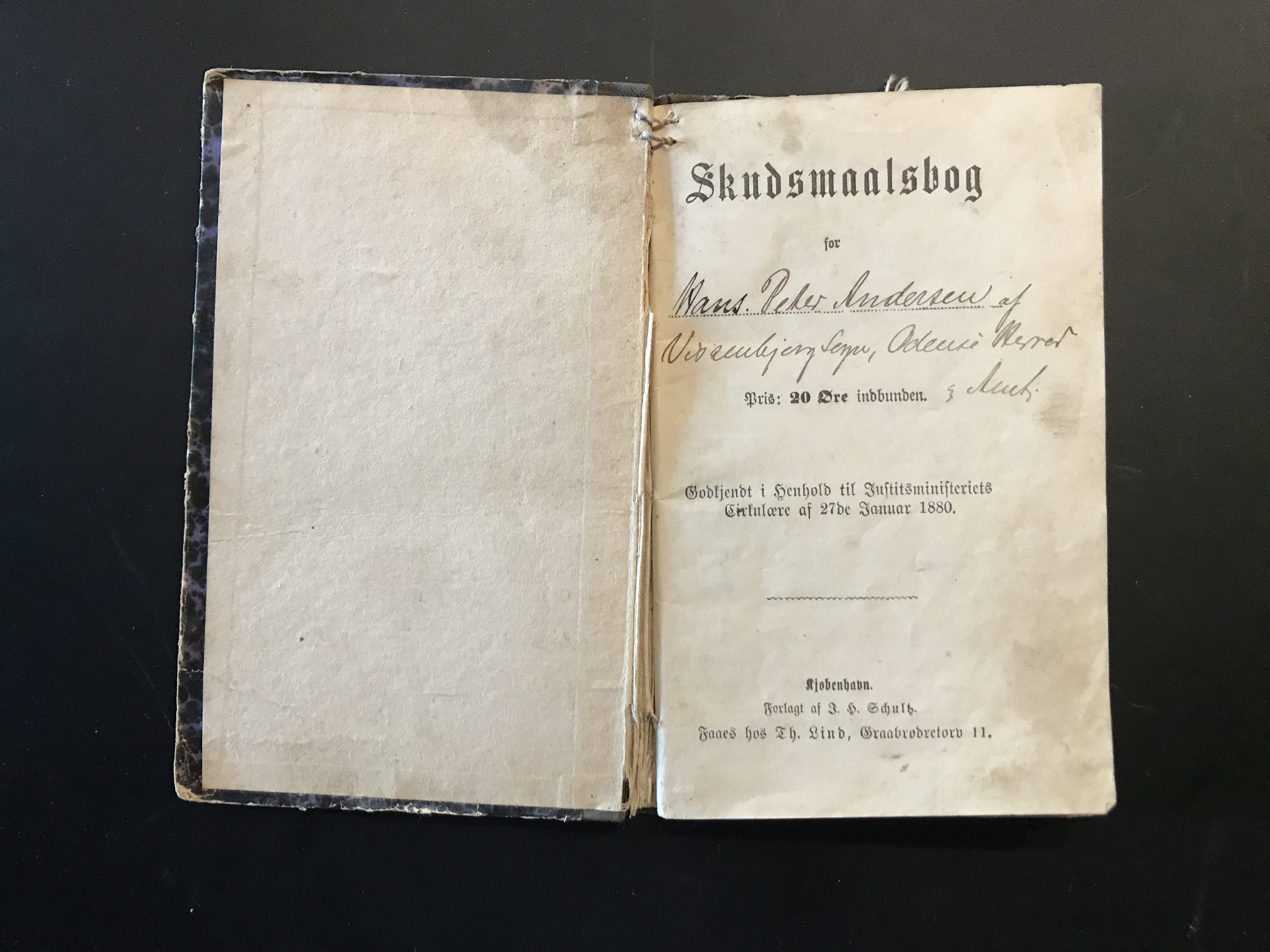 Et 100 år gammelt CV – min oldefars skudsmålsbog